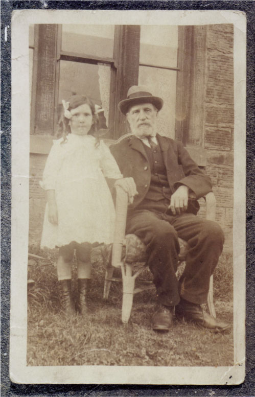 Amos Breaks with grand daughter 1914.